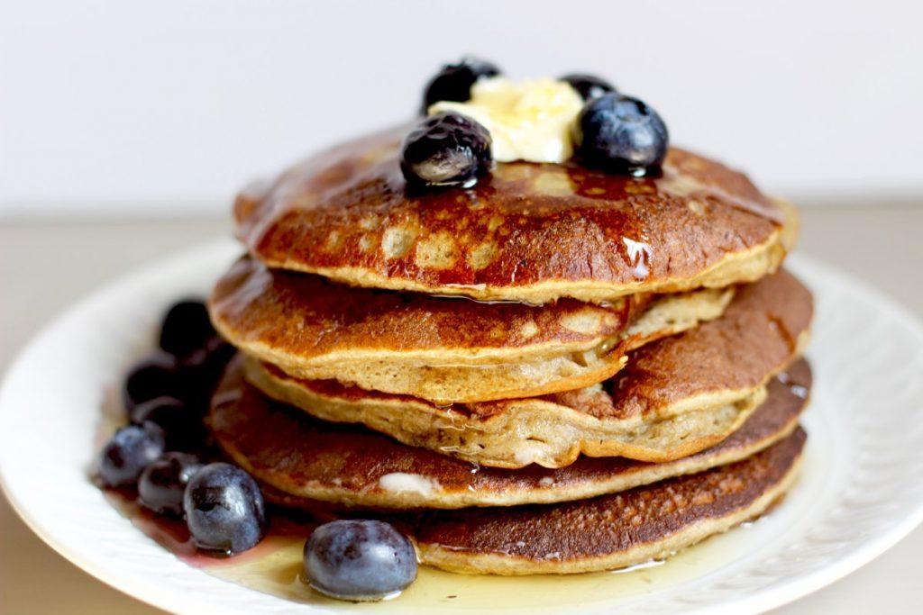 banana oatmeal pancakes 1